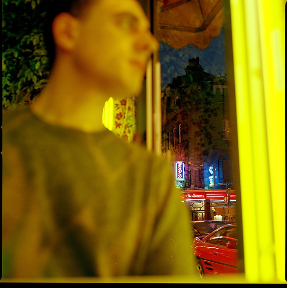 http://julianlass.com/files/gimgs/126_curry-house-brick-lane-yellow-webb.jpg
